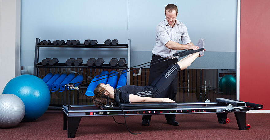 Clinical Exercise on reformer with a physiotherapist